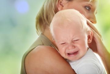 Чем кормить ребенка после рвоты: особенности питания