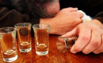 Алкогольное отравление: как помочь пострадавшему в домашних условиях