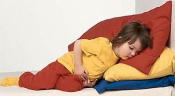 Чем и почему опасна кишечная инфекция у детей? Как помочь ребенку?