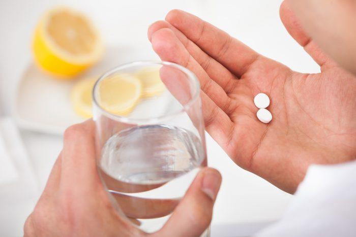 таблетки принимают внутрь