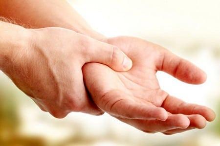 руки мужчины