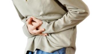 Болит живот слева от пупка: что делать